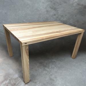 table en frêne
